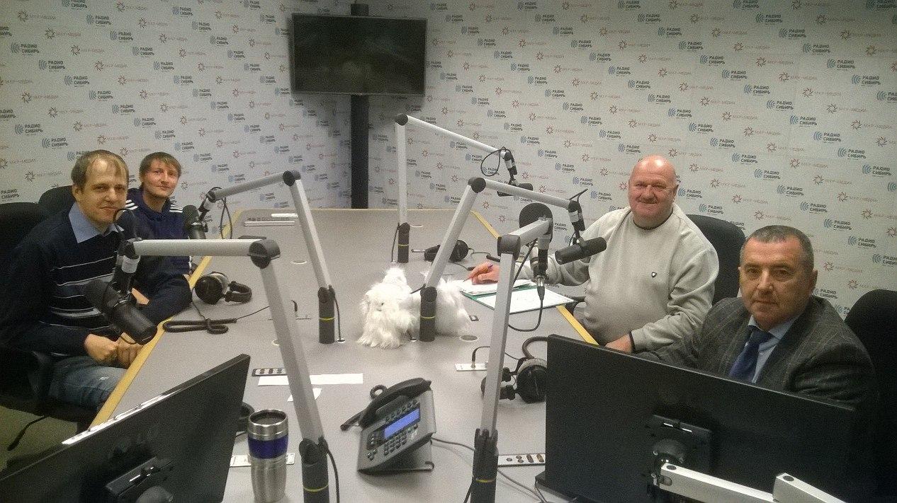 Запись эфира радиопередачи «Фанатский сектор» с участием Михаила Расина и Александра Дереповского