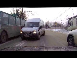 10 нарушителей сразу: маршрутки и автобусы группа: vk.com/avtooko сайт: avtoregik.ru Предупрежден значит вооружен:
