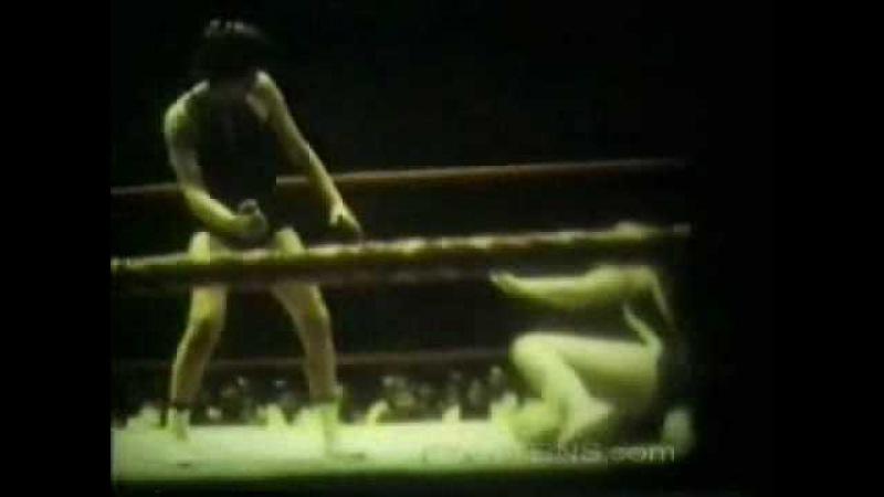 Mars Monroe vs Vivian Vachon 1971 Saint Paul Minnesota women's wrestling