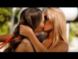 Two-hot-girls-kissing-Lesbian-Love(1)