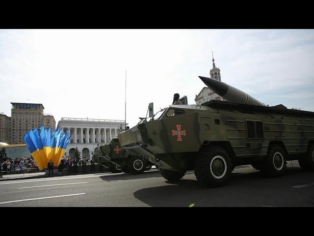 На военном параде Украины кроме старой советской военной техники были бэушные а
