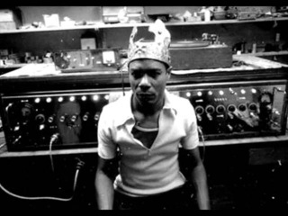 King Tubby the Aggrovators - I Trim the Barber