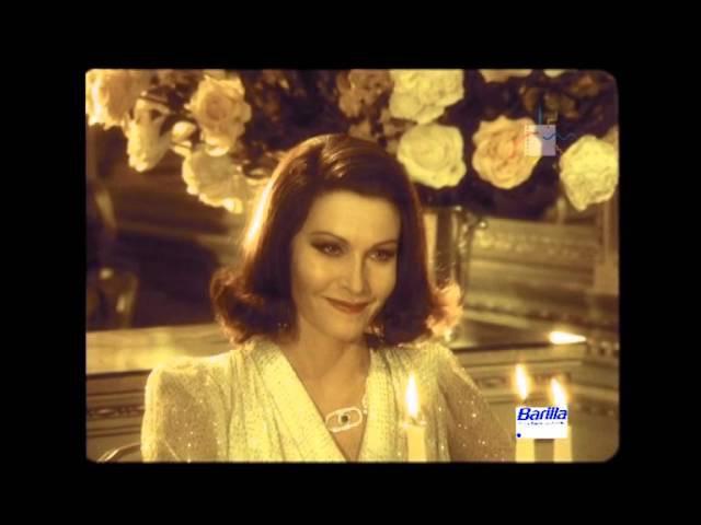 Alta società - rigatoni Barilla con commento di Fellini