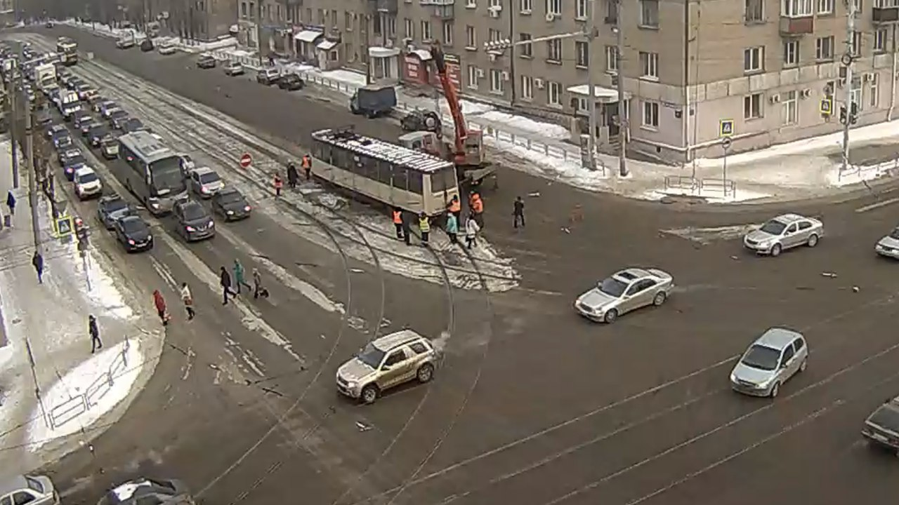 ВЯрославле трамвай сошел срельсов