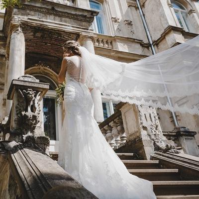 плаття на випускний. весільні плаття.  e23b2db435d8a