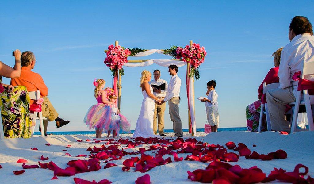 Свадьба на пляже: некоторые нюансы в организации (35 фото)