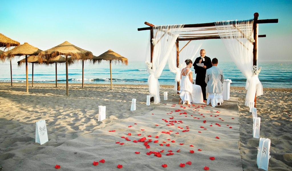 Fs2P0mrncy8 - Свадьба на пляже: некоторые нюансы в организации (35 фото)