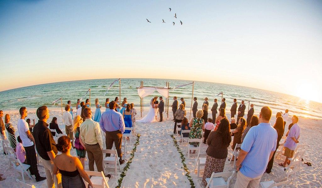 EggiiL2U6Gs - Свадьба на пляже: некоторые нюансы в организации (35 фото)