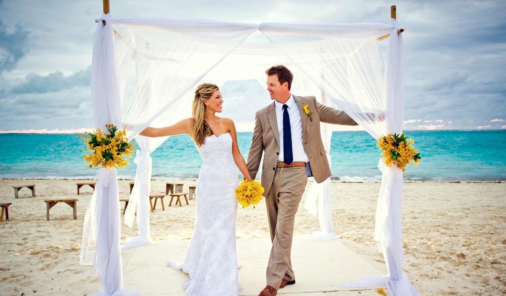 Dbp8A50F0nw - Свадьба на пляже: некоторые нюансы в организации (35 фото)