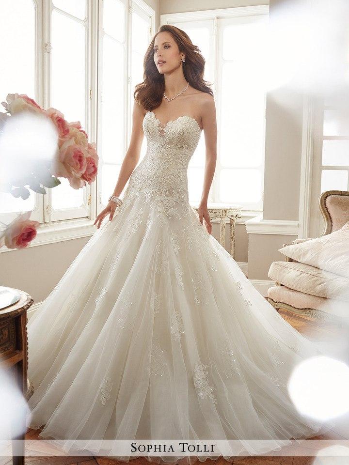 cjP0955BlQ0 - Самые лучшие свадебные платья сезона 2017 (45 фото)