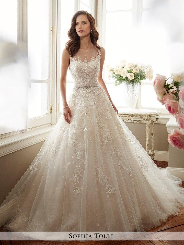 mNfPPi2lTTU - Самые лучшие свадебные платья сезона 2017 (45 фото)