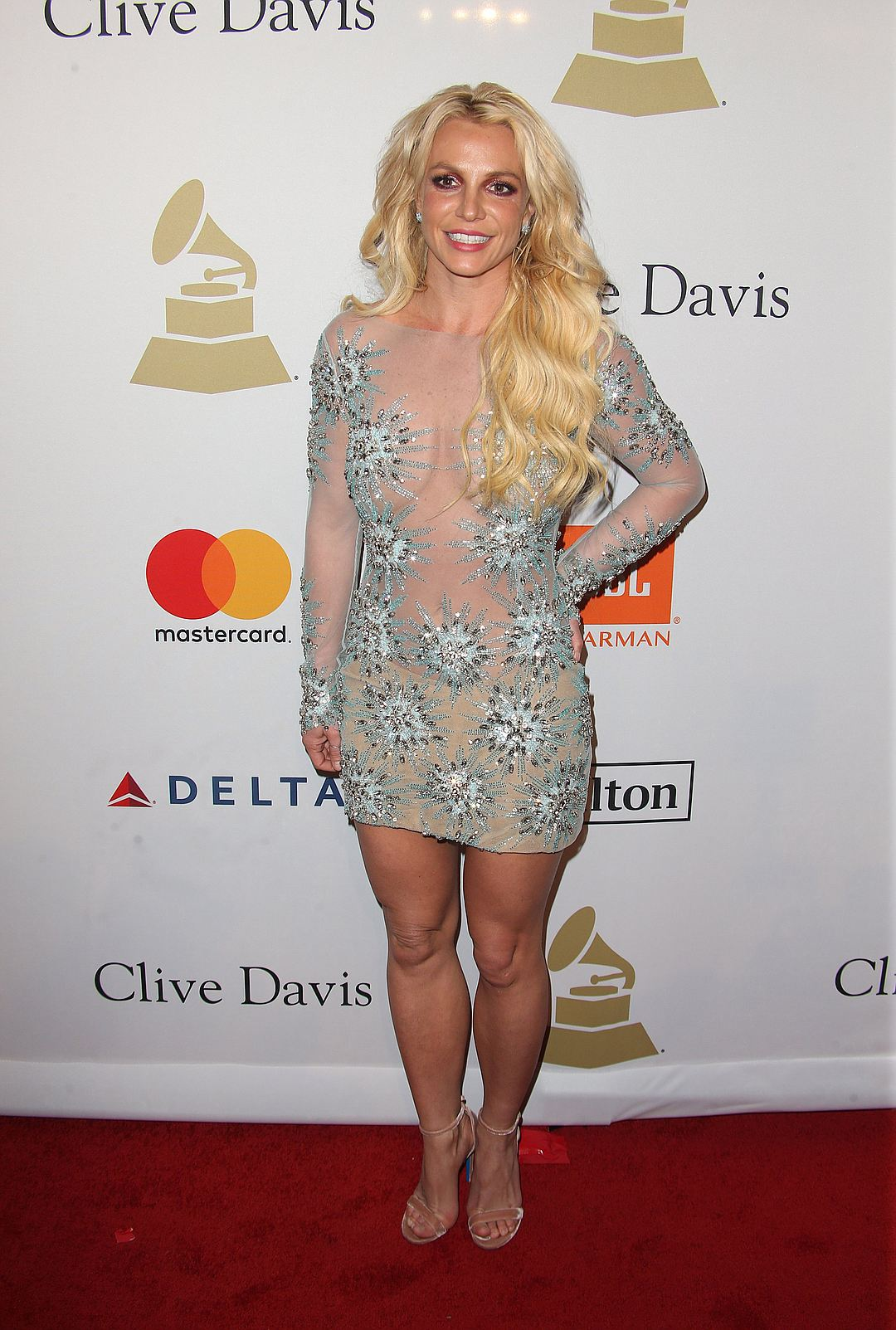 Обнаженная Бритни Спирс на 59-й церемонии Гремми (фото)
