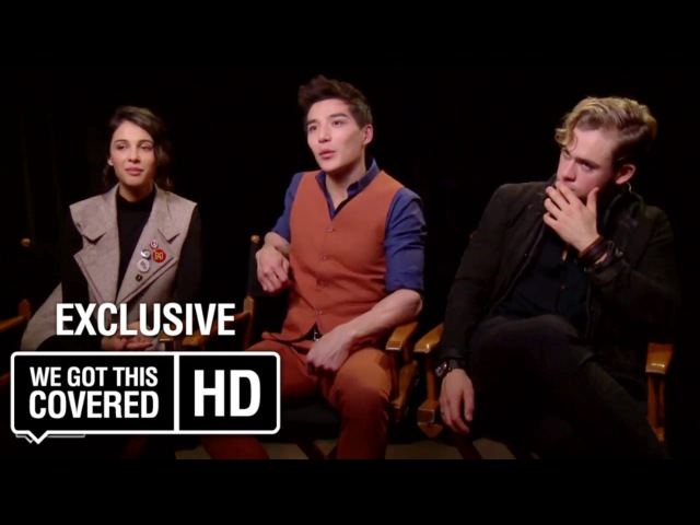 Exclusive Interview: Naomi Scott, Ludi Lin and Dacre Montgomery Talk Power Rangers [HD]