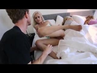 порно брат разбудил сестру трахнул