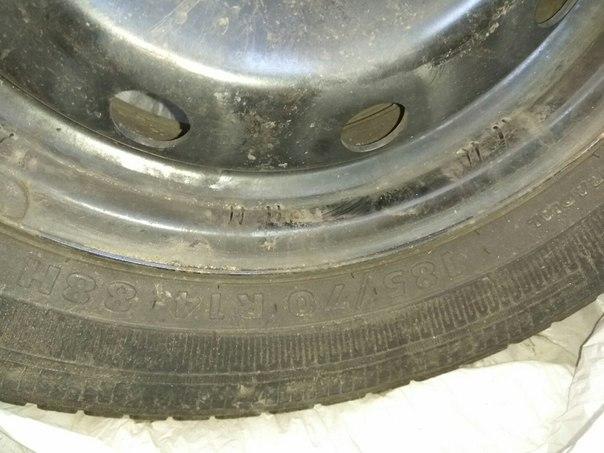 Комплект колес от RENO LOGAN на оригинальных штампованных дисках. Рези