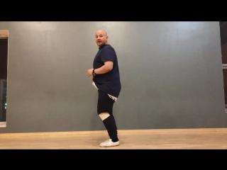 Костенко. Bachata sensual. Basic steps technic. Стопы, колени, таз.