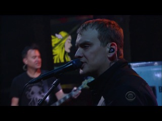 Blink 182 - Bored To Death Live on Stephen Colbert [2016-7-11]