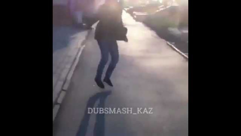 В Алматы на Толе би Ауэзова произошла перестрелка (Внимание, видео содержит нено...
