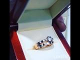 Оригинальное золотое кольцо с фианитами.