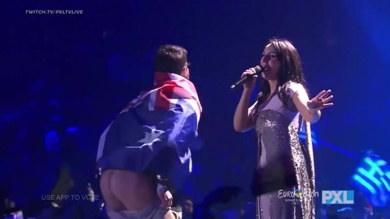 Man shows butt during Jamala Performance Eurovision 2017 ДЖАМАЛУ ОПОЗОРИЛИ ШОК ПОПА НА ЕВРОВИДЕНИИ