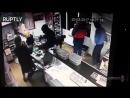 Волгоградец выгнал из магазина грабителей, мешавших ему выпивать