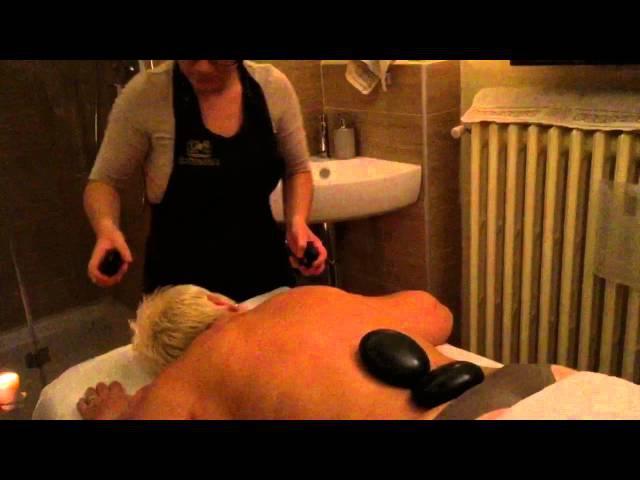 Stone Massage - Massaggio con pietre calde