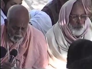 Govardhan. Srila Trivikrama Maharaj ,Srila Gurudev 7.02.1997
