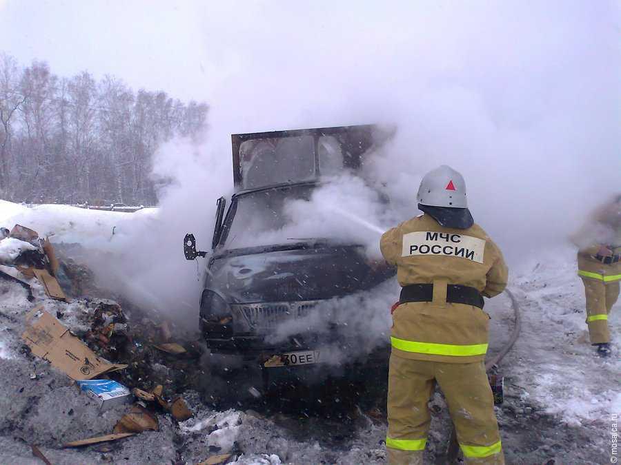 На трассе «Кола» и в Апатитах сгорели автомобили