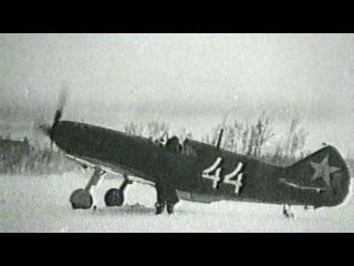 ВНовгородской области из-подо льда реки Ловать подняли фрагменты самолета времён Великой Отечественной войны.