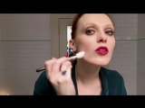Karen Elson Does Manhattan Party Makeup - Beauty Secrets - Vogue