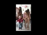 Один из танцоров на концерте классической музыки для малышей от 0 до 11 месяцев от  @baby_fun71