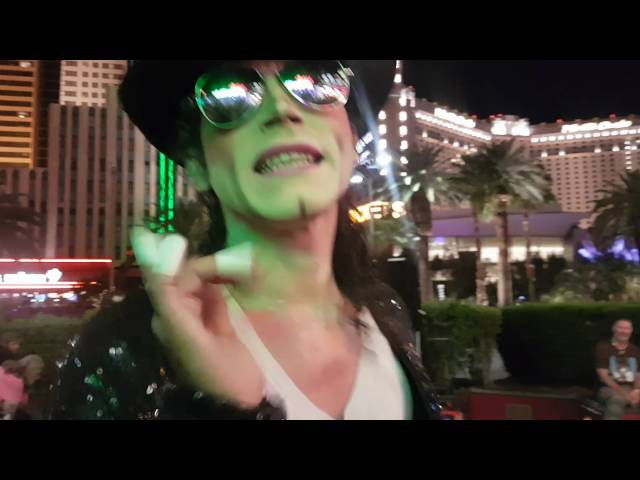 Amazing Michael Jackson street performance in Las Vegas