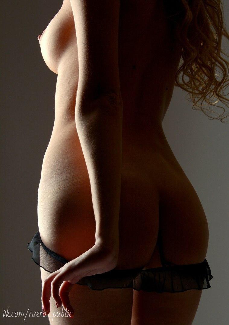 Black sexy naked girl