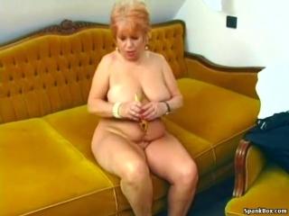 Xhamster.com_6340996_granny_masturbates_with_a_banana_480p
