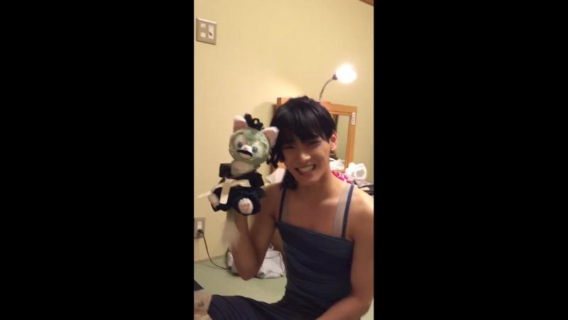 [TWITTER] itakurachihiro: Игра СэЁна с другом(куклой). Было весело.