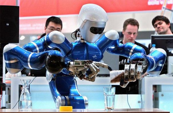 Роботы 😑 'отберут' у японцев 2,4 млн рабочих мест к 2030 году.  Из-з