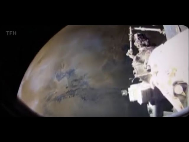 Into Mars Orbit by TFH - CGI - 2D