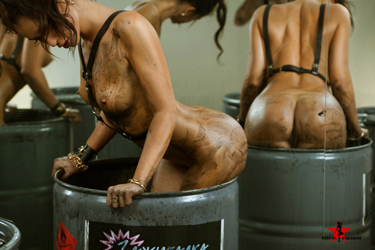 Blackzilla slays white wifes pussy and mouth