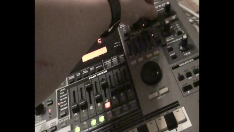 Maxwolt - эксперимент со звуком на Roland MC 505 (ОБЪЕКТЫ) 2016