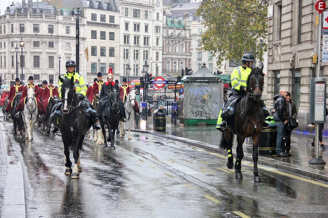 London is... Changing of the Guard Cavalry 🏇 @ Charing Cross