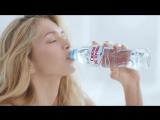 Вера Брежнева в рекламе воды «Святой источник» (Утро)