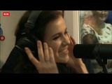 Лена Темникова поет вживую на радио