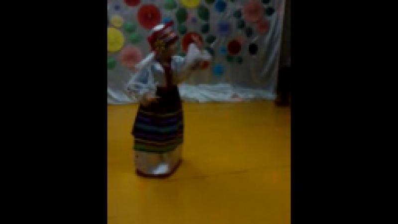 солнышко моё танцует