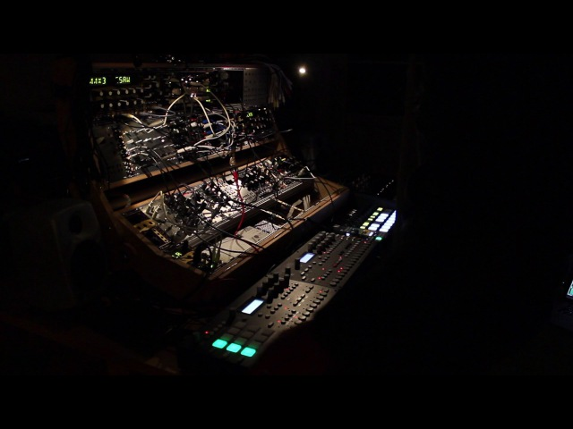Live Deep Techno Jam - Pulse