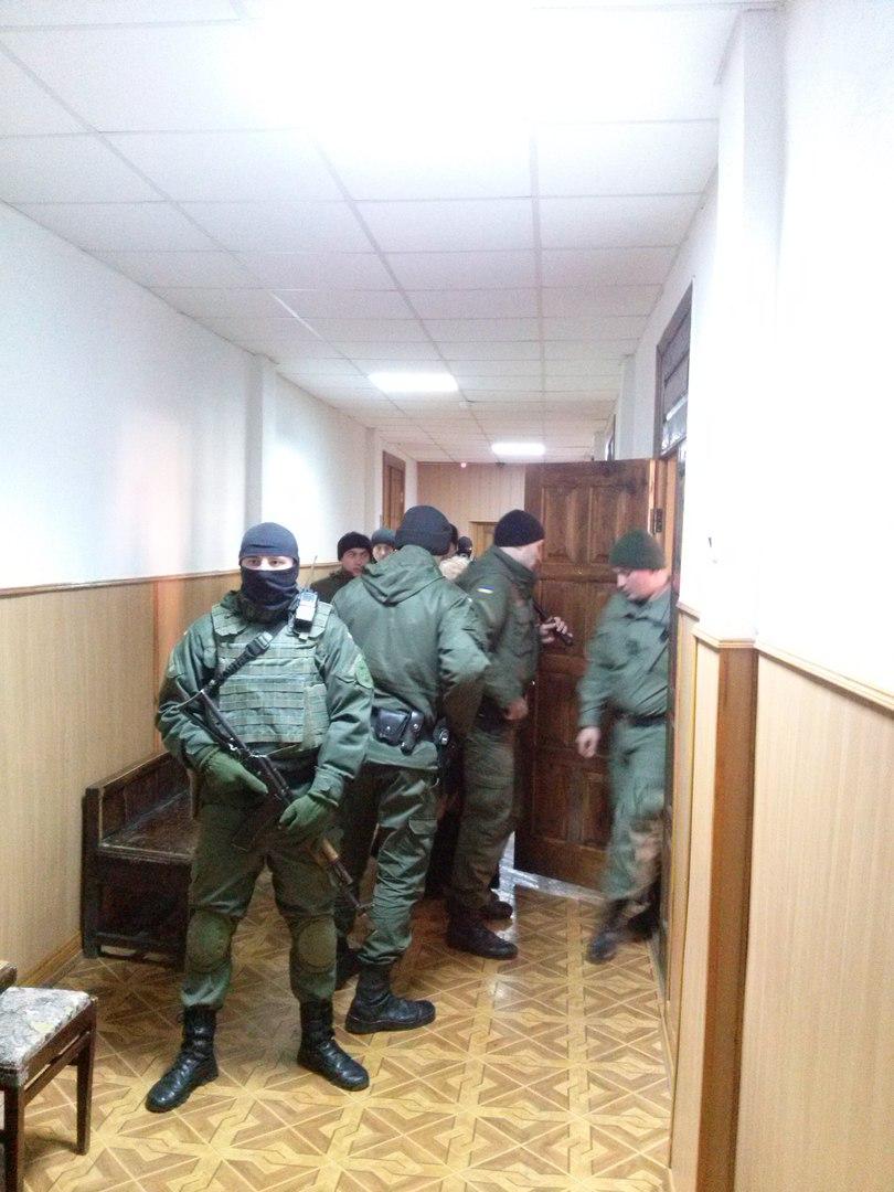 У Харкові під посиленим конвоєм автоматників привели в суд Штепу - фото 2