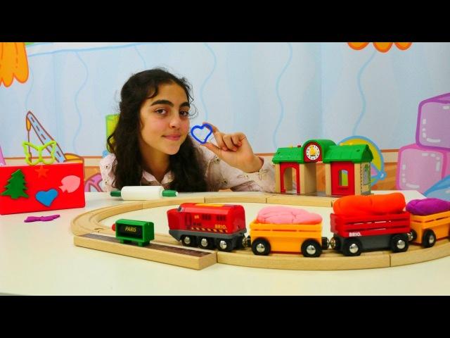 Türkçeizle. Öykü, tren ve renkli hamurlar. 💜⭐🦋 hamuroyunları