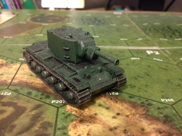 KV2 SOVIET HEAVY TANK 1/100 scale - Zvezda - Art Of Tactic - Model