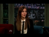 Victoria Justice - au Late Night de Jimmy Fallon le 23 octobre 2012
