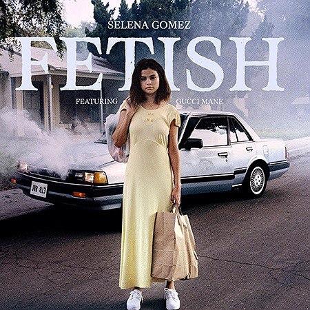 Селена Гомес анонсировала выход своей новой песни под названием Fetish