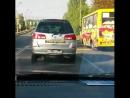 Как то ехал по городу, спереди тачка на российских номерах и наклейка здоровая в цветах флага УПА и надписью Слава Украине!